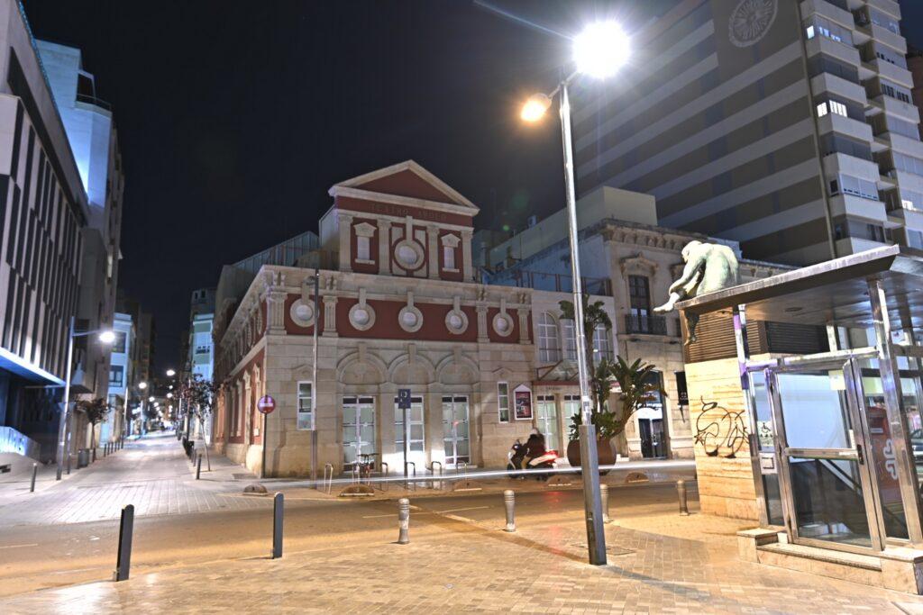 ARCHIVO FACHADA TEATRO APOLO