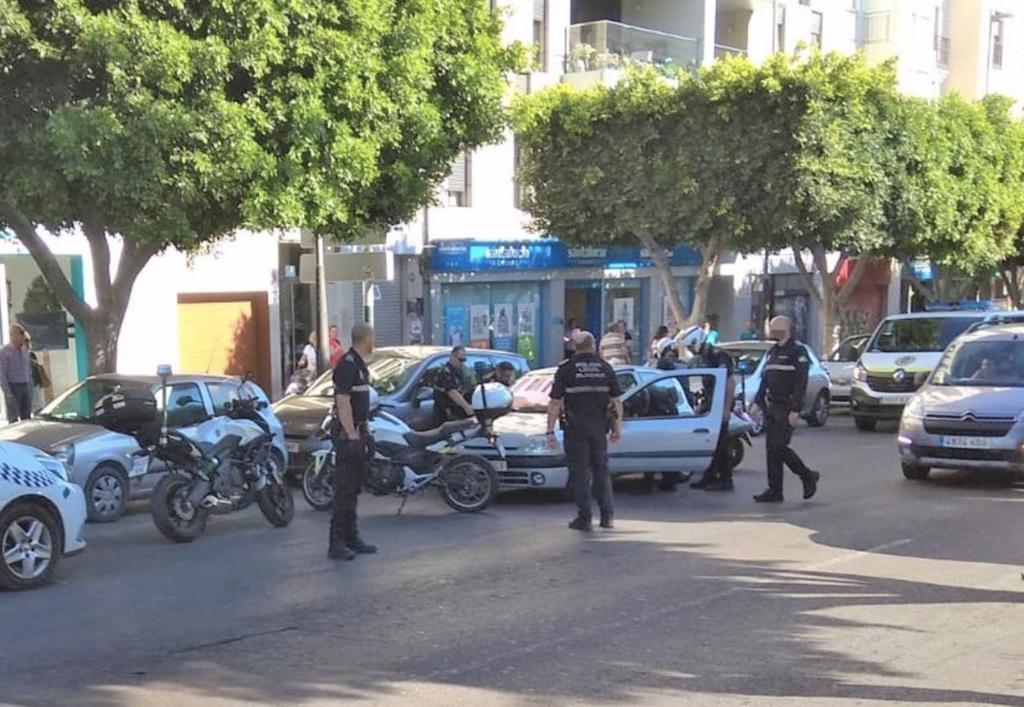 La Policía Local tras el atropello.