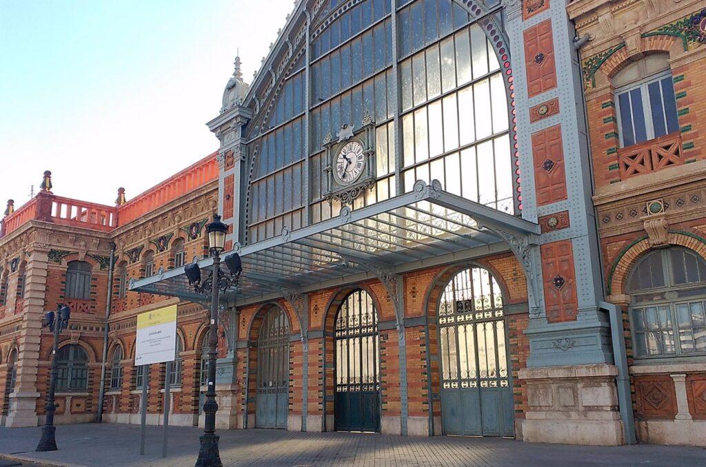 Fachada estación tren Almería
