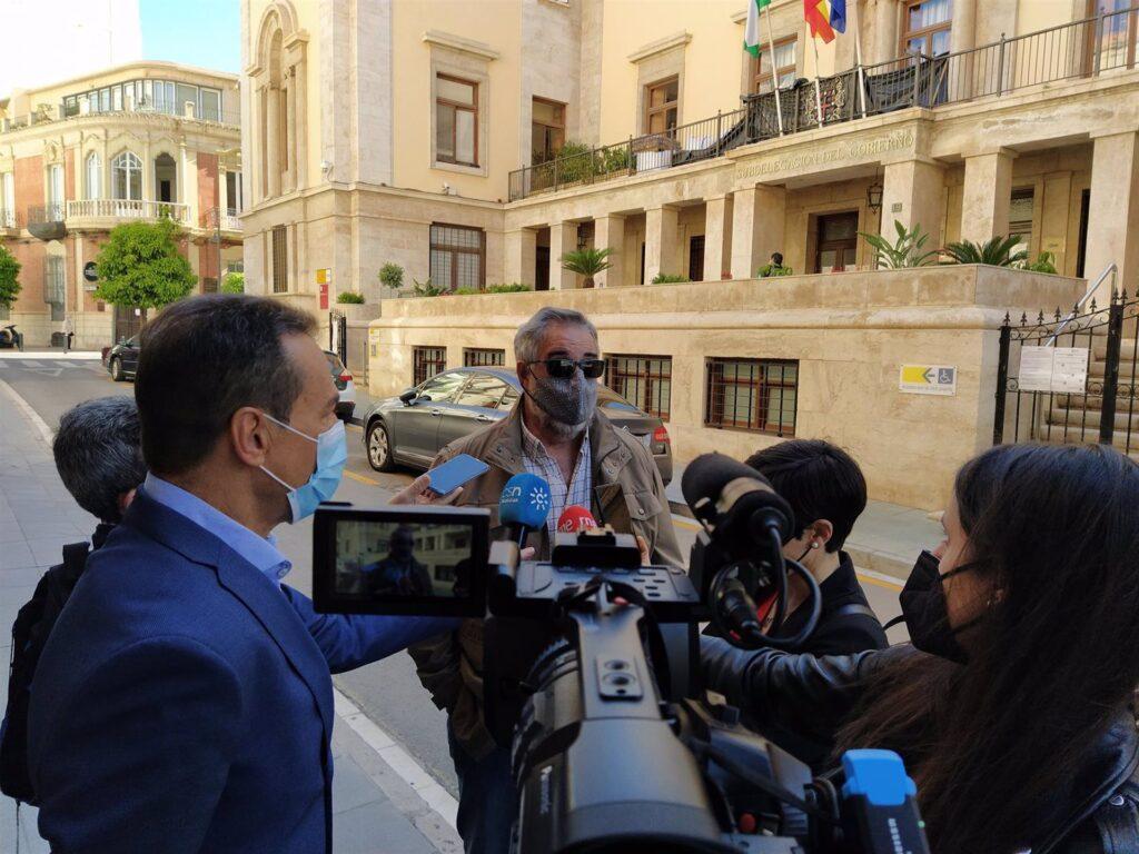 22-03-2021 El portavoz de la mesa en defensa del ferrocarril de Almería, José Carlos Tejada, atiende a los medios SOCIEDAD ANDALUCÍA ESPAÑA EUROPA ESPAÑA EUROPA ALMERÍA ANDALUCÍA AUTONOMÍAS MESA DEL FERROCARRIL