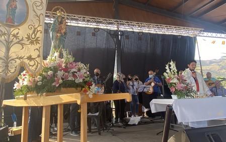 Misa en Honor a la Virgen del Pilar de Jaravía
