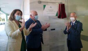Aguirre inaugura la Unidad de Gestión Clínica de Urgencias de Roquetas de Mar